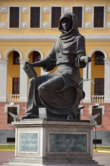 Statue featuring the Kazakh Femida with scale