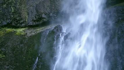 滝の水流_3