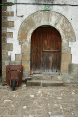 Old door in Ansó