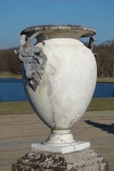 Vase à tète de bouc,Domaine de Chantilly