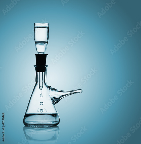 Filtration of water in the suction flask - 71220448