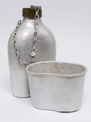 Feldflasche & Trinkbecher