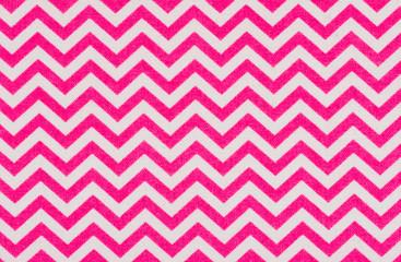 Weißer Stoff mit pinkem Zickzack Muster