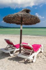 XXX Strandliegen unterm Sonnenschirm - 5930