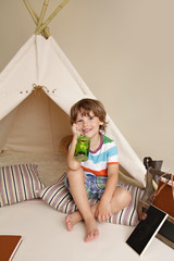 Science Education through Indoor Play in Teepee Tent