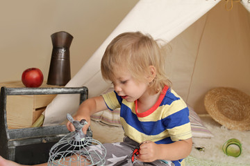 Creativity and Education through Indoor Play