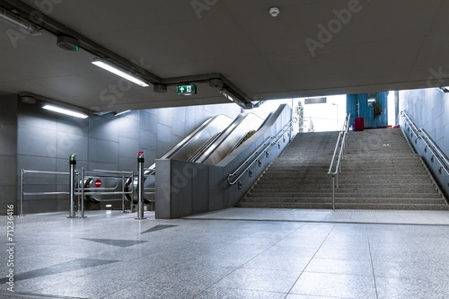 Foto op Canvas Treinstation Modern metro interior