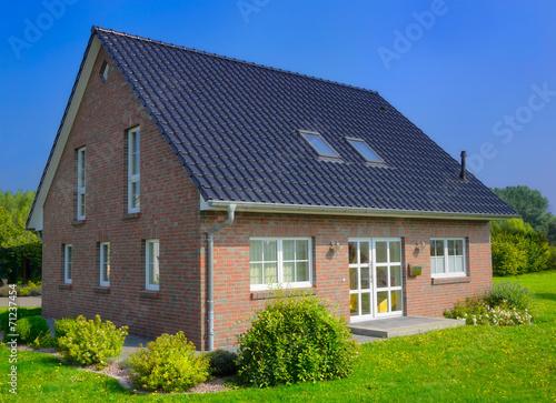Leinwanddruck Bild Einfamilienhaus