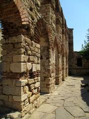 Стена базилики Святой Софии город Несебр