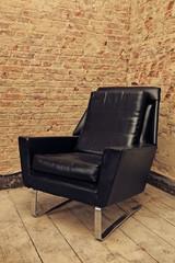 fauteuil en cuir noir avec chrome vintage