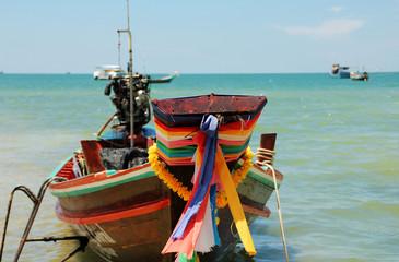 Longtailboot am Strand
