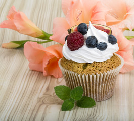 Cupcakes with berries