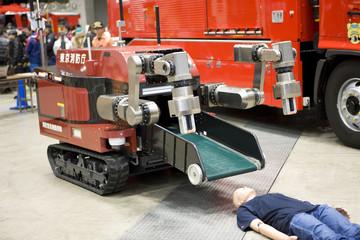 消防 救出ロボット