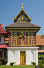 Tipitaka Hall at Wat Hua Kwuang