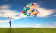 barfuß im Gras mit Ballons