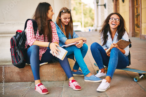 canvas print picture Teenagers on the street