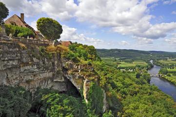 La valle della Dordogna a Domme