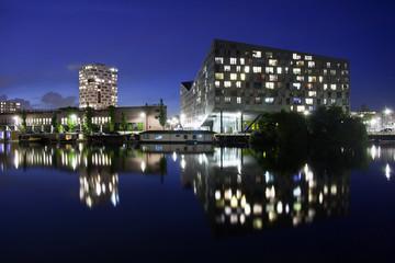 Edifici Amsterdam di notte