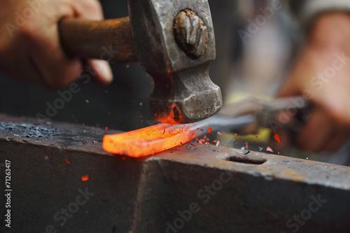 Leinwanddruck Bild Forging hot iron