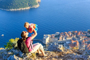 mother and little daugther travel in Europe