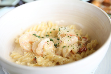 macaroni shrimp