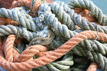 Sturdy hemp rope and nylon for sea fishermen