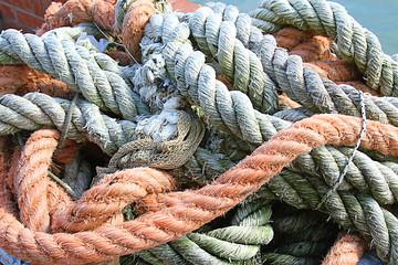 Sturdy hemp rope and nylon for sea fishermen