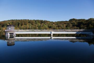 Freilinger See mit Auslaufturm