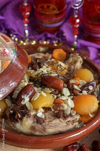 Tuinposter Marokko tajine de poulet 4