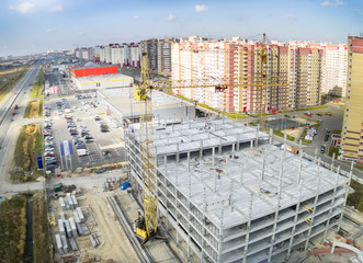 Construction of shopping center in Tyumen