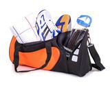 Sporttasche mit Handtuch, Turnschuhen, Trinkflasche