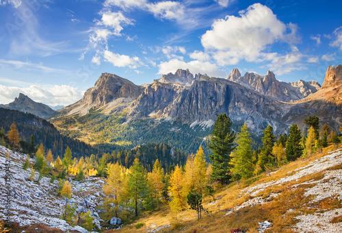 Leinwanddruck Bild Mount Lagazuoi, Falyarego path, Dolomites