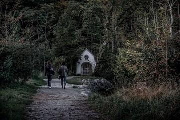 Gang zur Grabkapelle