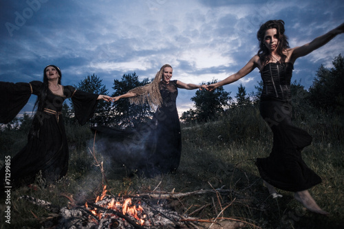 Whitches coven - 71299855
