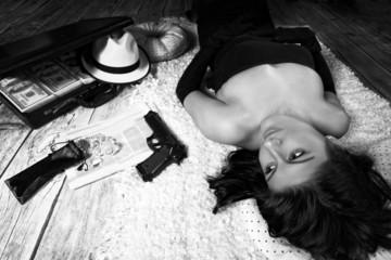 Crime Novel - a dangerous woman bandit