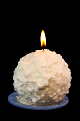 Candle in a shape of a snowball