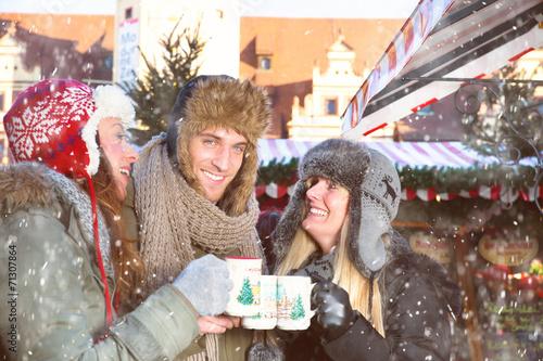 Leinwanddruck Bild fun on christmas market 1