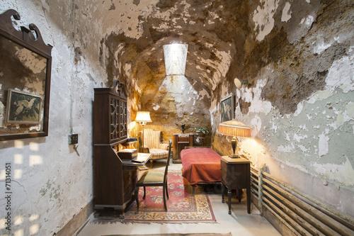 Leinwanddruck Bild Eastern state penitentiary in Philadelphia. Al Capone's cell.
