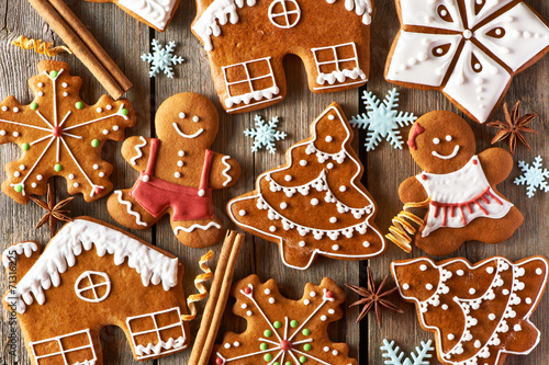 Christmas homemade gingerbread cookies - 71316225