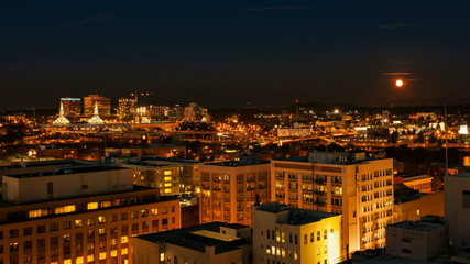 Time Lapse of Portland Oregon with Moonrise at Night