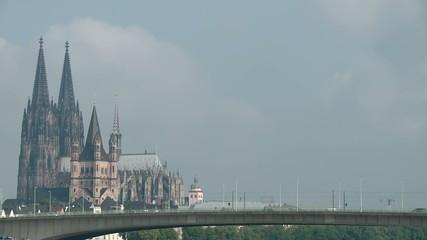 Köln. Panorama mit Rhein
