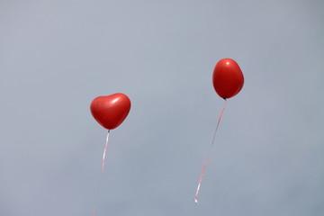 zwei Luftballons Herzen