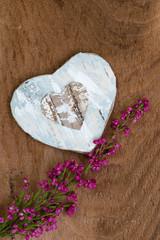 Weißes Herz mit Glockenheide