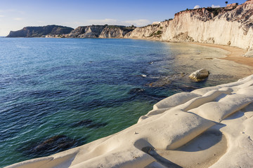 White stones bay