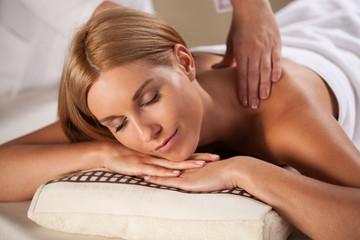 Beauty woman having relaxation massage