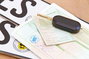 Autopapiere, Autoschlüssel und Kennzeichen