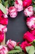 Obrazy na płótnie, fototapety, zdjęcia, fotoobrazy drukowane : red and pink  roses  frame on table
