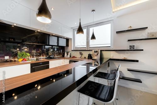 Modern open space luxury kitchen - 71357465
