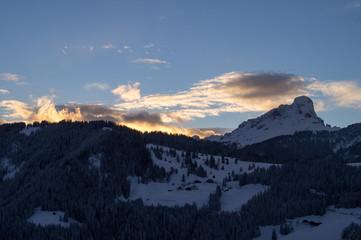 Sonnenuntergang über Wengen La Val im Winter 2014
