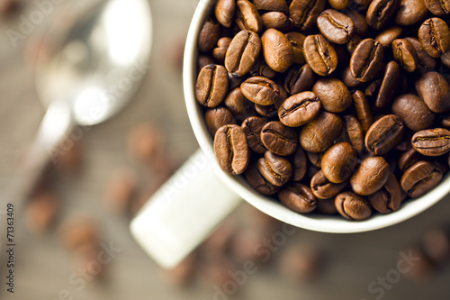 canvas print picture coffee beans in mug
